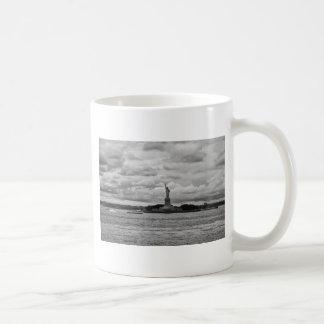 Lady Liberty. Statue of Liberty, USA Coffee Mugs