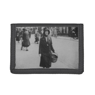 Lady Shopping Vintage Image Black Nylon Wallet