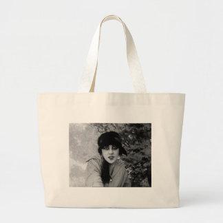 lady-vampire-4 bag