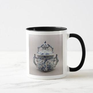 Lambeth Delftware posset pot, blue and white Mug