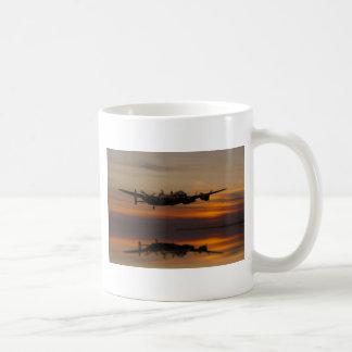 lancaster Bomber the home stretch Coffee Mug