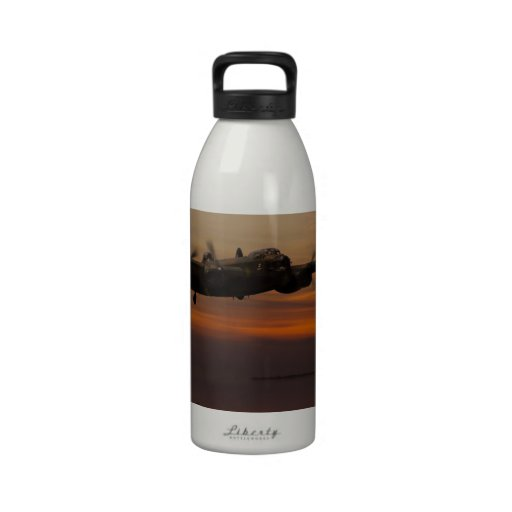 lancaster Bomber the home stretch Drinking Bottle