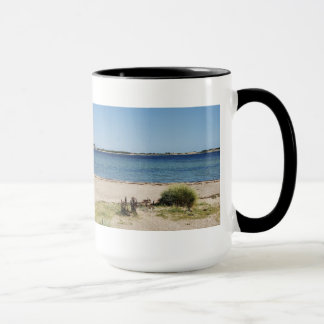 Large Ringer cup black beach and sea