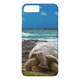 Large turtle at the sea edge iPhone 8 plus/7 plus case
