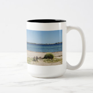 Large two-color cup black beach and sea