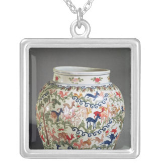 Large vase decorated with five colours silver plated necklace