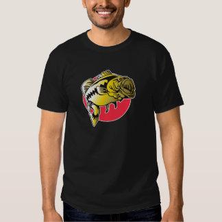 Largemouth Bass fish jumping Tshirts