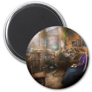Lawyer - Always taking notes - 1902 6 Cm Round Magnet