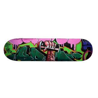 Le bras lev� - plateaux de skateboards