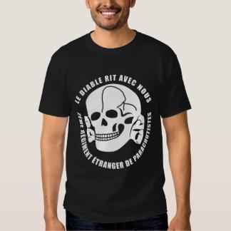Le diable rit avec nous tshirts