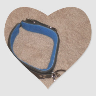 LEAD AND COLLAR HEART STICKER