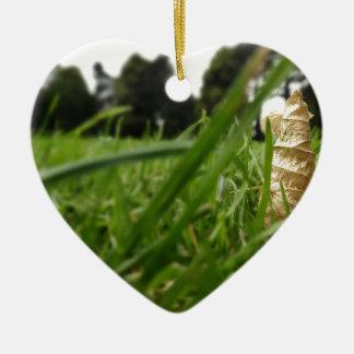 Leaf in grass ceramic heart decoration