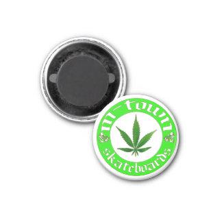 leaf magnet white