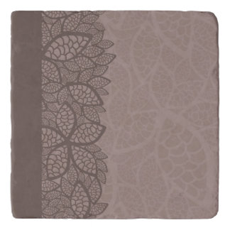 Leaf pattern border and background trivet