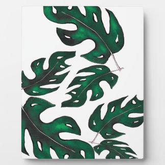 leaf pattern plaque