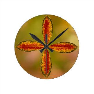 Leaf Round Clock