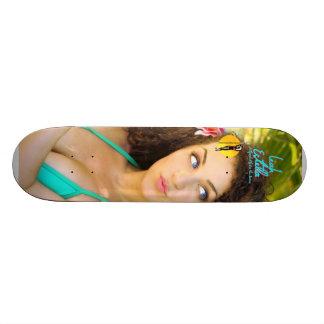 "Leah Estella ""Nagu"" Skateboard"
