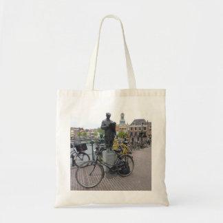 Leiden (Statue & Bikes) Budget Tote Bag
