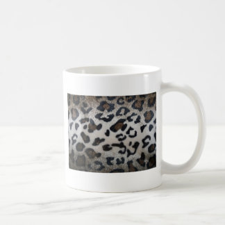 Leopard pattern, natural color fake fur closeup mug