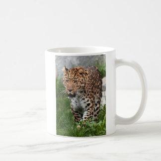 Leopard Walking Wild Basic White Mug