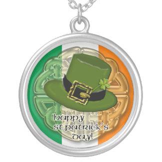 leprechaun hat round pendant necklace