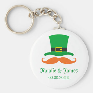 Leprechaun mustache St Patrick's day wedding favor Basic Round Button Key Ring