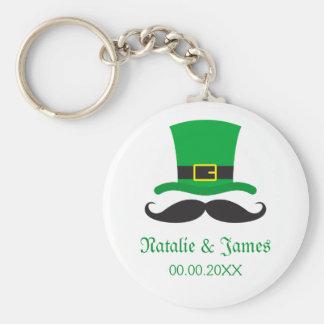 Leprechaun mustache St Patrick's day wedding favor Basic Round Button Key Ring