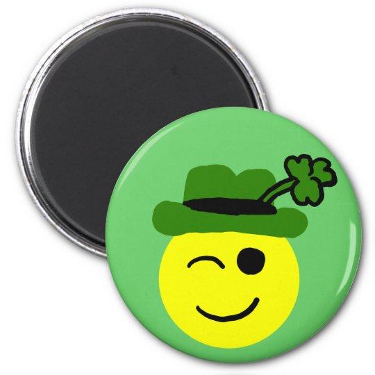 Leprechaun smiley 6 cm round magnet