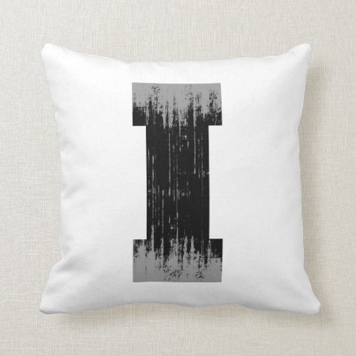 LETTER PRIDE I VINTAGE.png Throw Pillows