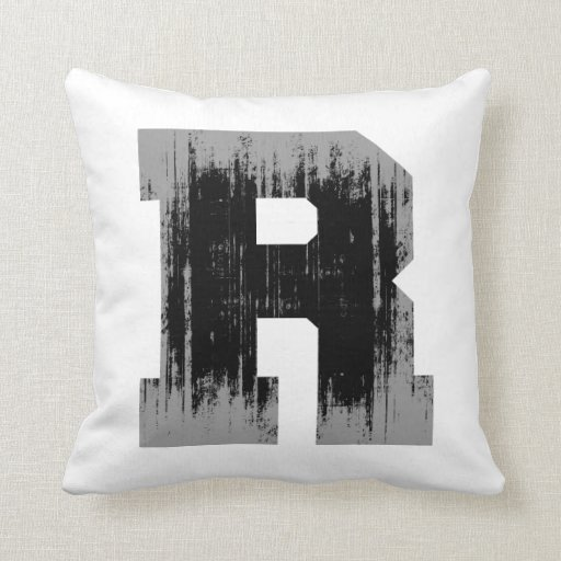LETTER PRIDE R VINTAGE.png Pillows