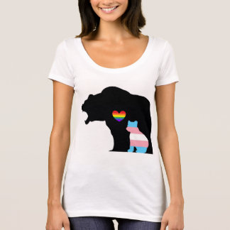 LGBTQUIA+ Bear protecting the Trans bear T-Shirt