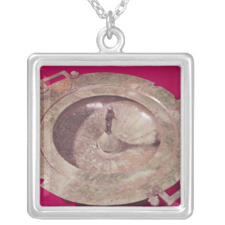 Lid of a krater silver plated necklace