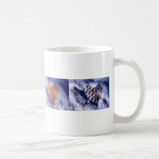 Liebe in einem kalten Klima lange Basic White Mug