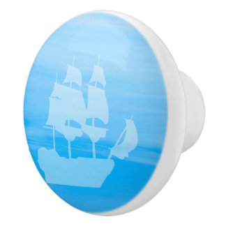 Light blue sea water with an old sailing ship ceramic knob