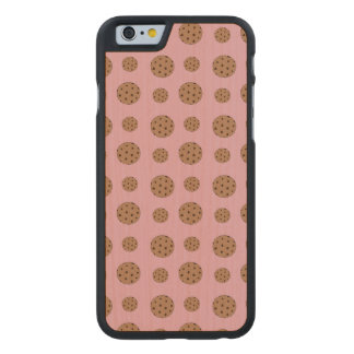 Light pink chocolate chip cookies pattern carved® maple iPhone 6 case