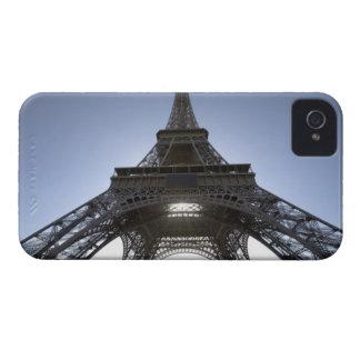 light shining through the Eiffel Tower iPhone 4 Case-Mate Cases