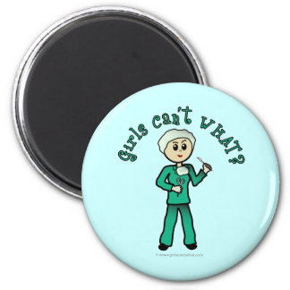 Light Surgeon Girl 6 Cm Round Magnet