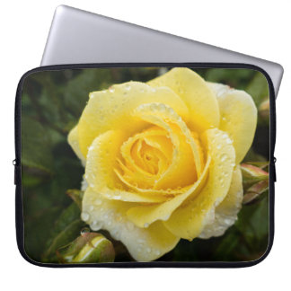 Light Yellow Rose with Raindrops Laptop Sleeve