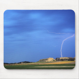 Lightning strikes the Wildcat Hills near Mouse Mat