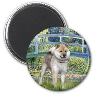 Lily Pond Bridge - Shiba Inu 6 Cm Round Magnet