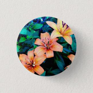 Lily trio pin