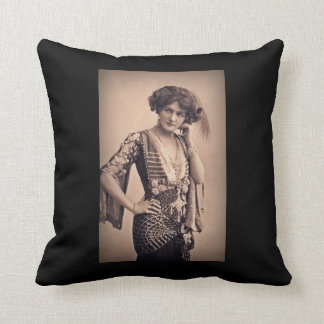 Lily Vintage Movie Star Cushion