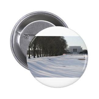 lincoln memorial snow 6 cm round badge