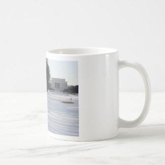 lincoln memorial snow coffee mugs