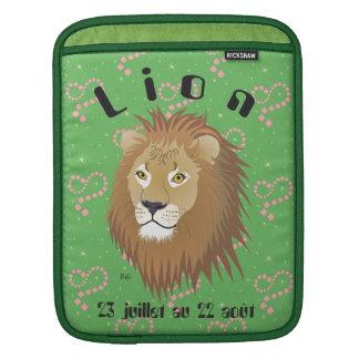 Lion 23 juillet outer 22 août Rickshaw sleeve iPad Sleeve