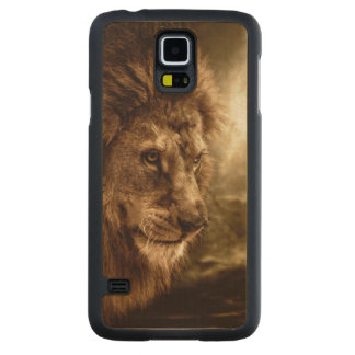 Lion against stormy sky maple galaxy s5 slim case