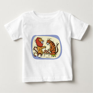 Lion and Tiger Playing Chess Tee Shirts