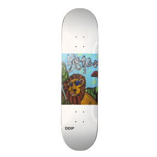 lion art skate board deck