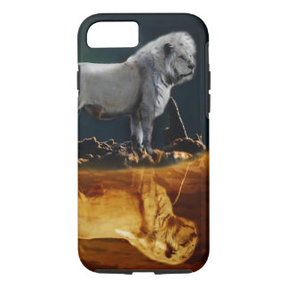 Lion by moonlight iPhone 7 case
