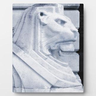 Lion statue in Nottingham Plaque